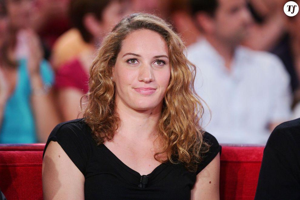 """Camille Muffat - Enregistrement de l'émission """"Vivement Dimanche"""" spéciale Robert Charlebois à Paris le 5 septembre 2012."""