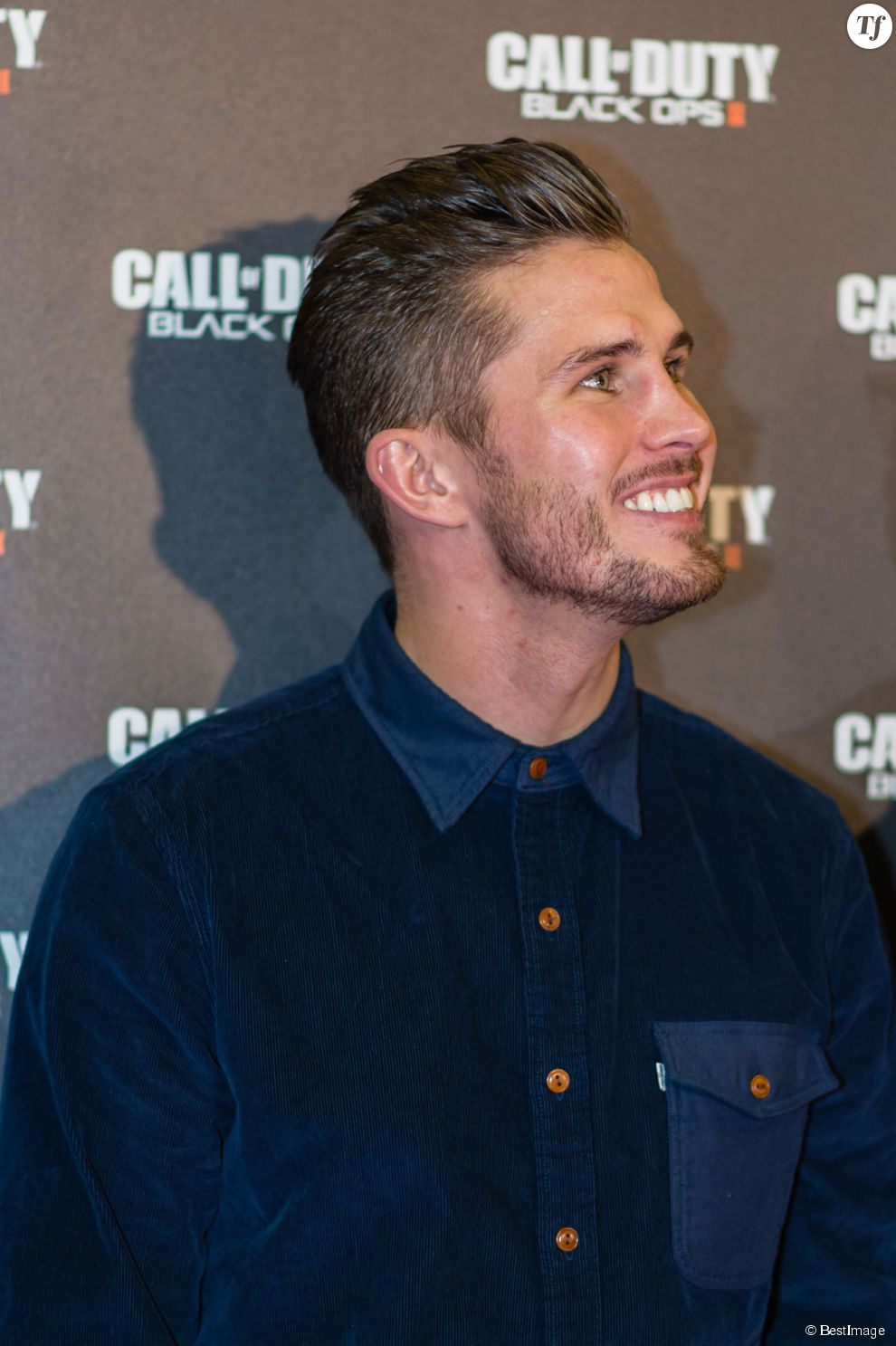"Alexis Vastine - Soiree Sortie du Jeux ""Call Of Duty Black ops 2"" au Virgin des Champs Elysees a Paris le 12 novembre 2012"