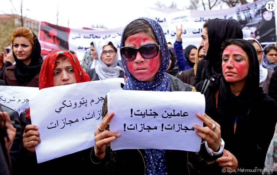 Des femmes manifestant à Kaboul le 23 mars 2015 suite au lynchage de Farkhunda.