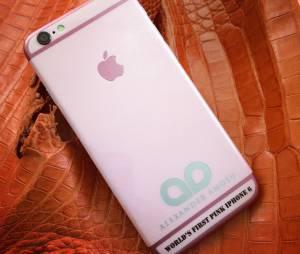 Alexander Amosu est à l'origine du premier iPhone 6 rose produit en édition limité de 10 téléphones à l'occasion de la Saint-Valentin