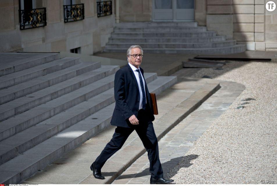 """Les associations féministes s'opposent à la suppression du """"Rapport de situation comparée"""", inscrite dans le projet de loi sur le dialogue social de François Rebsamen."""