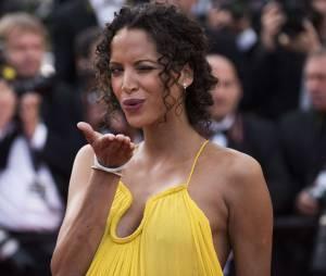 L'actrice et mannequin Noémie Lenoir sur les marches du Festival de Cannes 2015