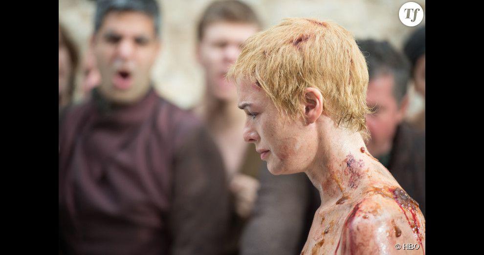 La marche de la honte de Cersei Lannister dans l'épisode 10 saison 5