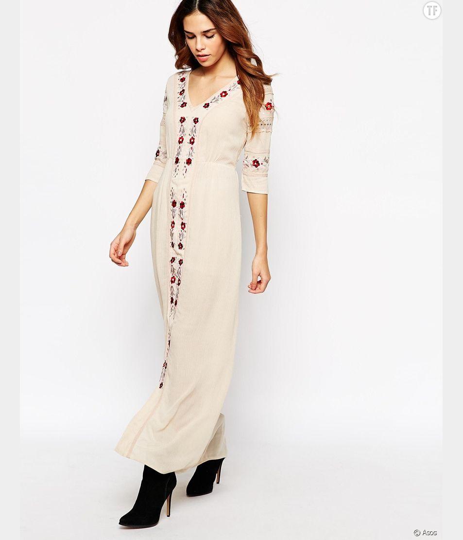 Robe longue Glamorous sur Asos , soldée à 52,99 €.