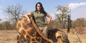Cette chasseuse scandalise Internet quelques semaines après la mort de Cecil le lion