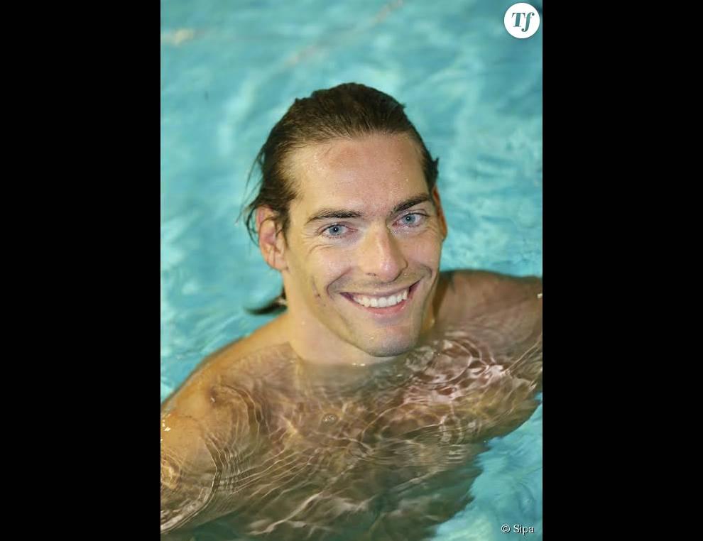 Camille Lacourt n'a pas que la nage dans sa vie. Il puise sa force dans son épouse et sa fille, Jazz.
