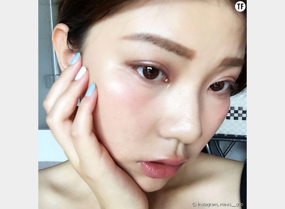 Voilà la dernière tendance beauté venue d'Asie : le Hangover make up, ou littéralement le maquillage gueule de bois.