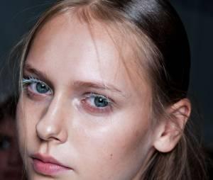 Le strobing : la nouvelle tendance maquillage qui remplace le contouring