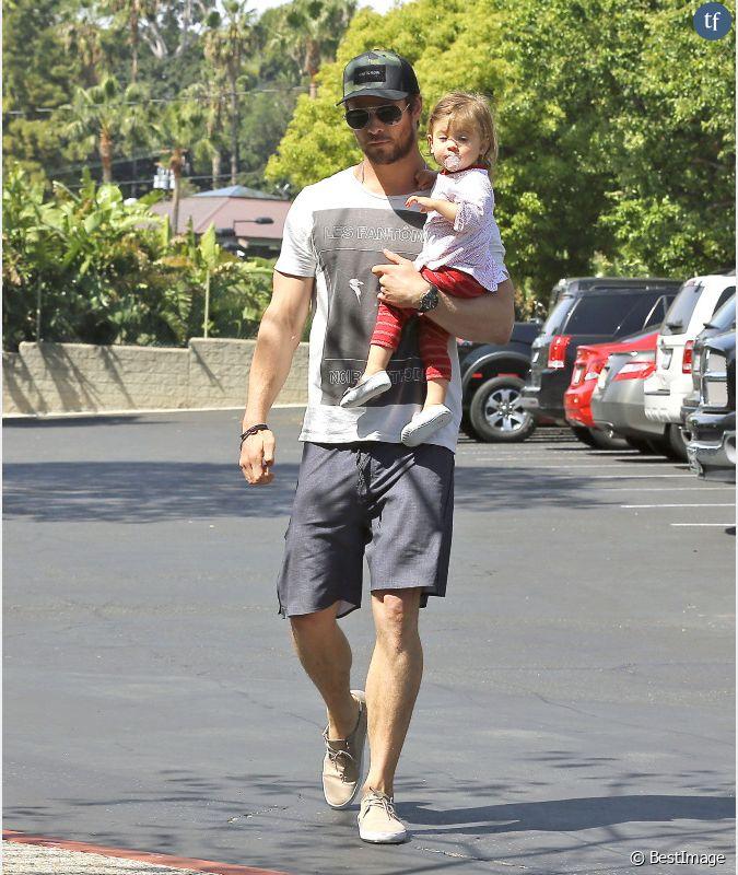 Chris hemsworth fait toujours r ver avec ou sans ses - Rever de porter un bebe dans ses bras ...