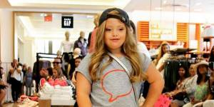 Kayla Kosmalski, petite trisomique de 9 ans, devient égérie Gap