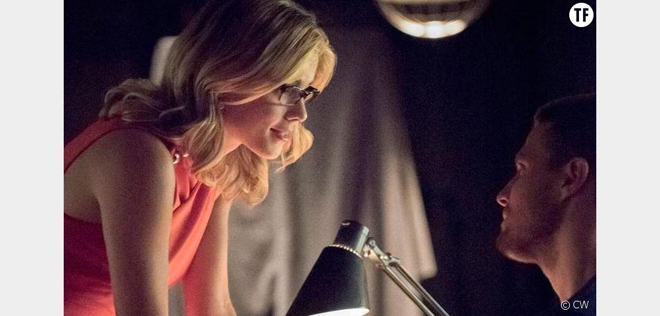 Oliver et Felicity en couple et heureux dans la saison 4 de Arrow
