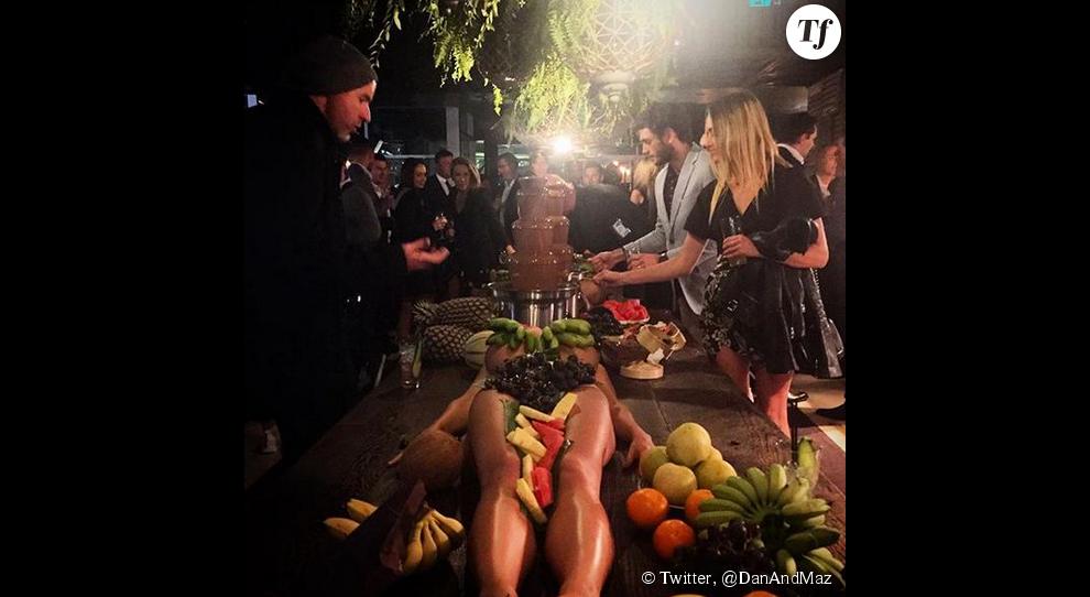 Une soirée sur le thème des tropiques... et du sexisme.