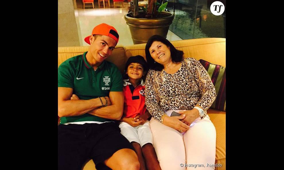 cristiano ronaldo avec sa maman et son fils