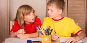 Pour trop d'enfants, les devoirs à la maison font plus de mal que de bien