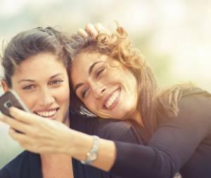 Bi ou lesbiennes : les femmes jamais totalement hétéros ?