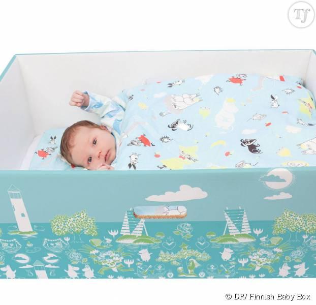 Les boîtes de naissance commercialisées par Finnish Baby Box