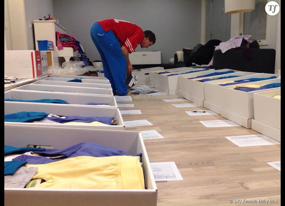 Les boîtes de naissance de Finnish Baby Box