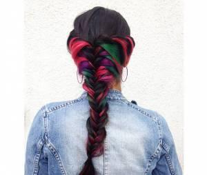 Secret rainbow hair : la coiffure qui se révèle quand vous passez la main dans vos cheveux