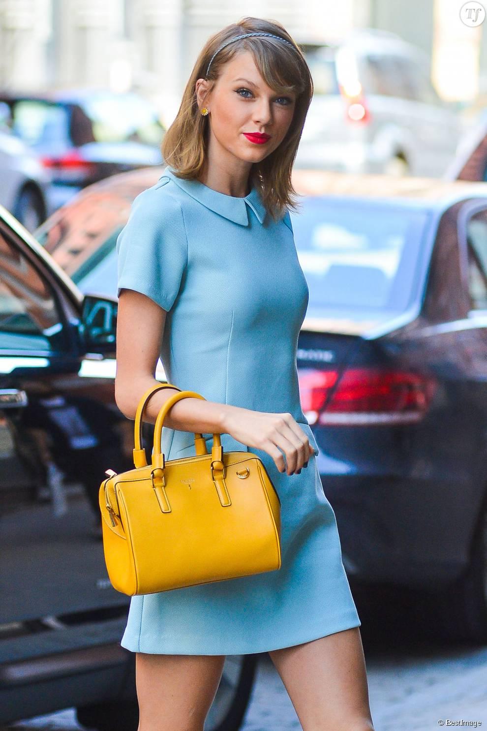 Taylor Swift Accessoirise Son Carr 233 Long D Un Serre T 234 Te