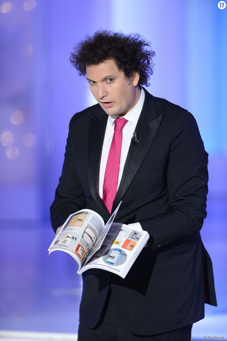 """Éric Antoine - Enregistrement de l'émission """"Vivement Dimanche"""" à Paris le 14 octobre 2015 et qui sera diffusée le 18 Octobre 2015"""