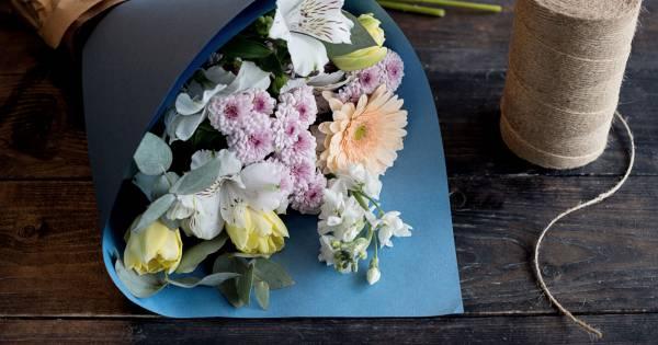 le secret magique pour faire durer un bouquet de fleurs. Black Bedroom Furniture Sets. Home Design Ideas
