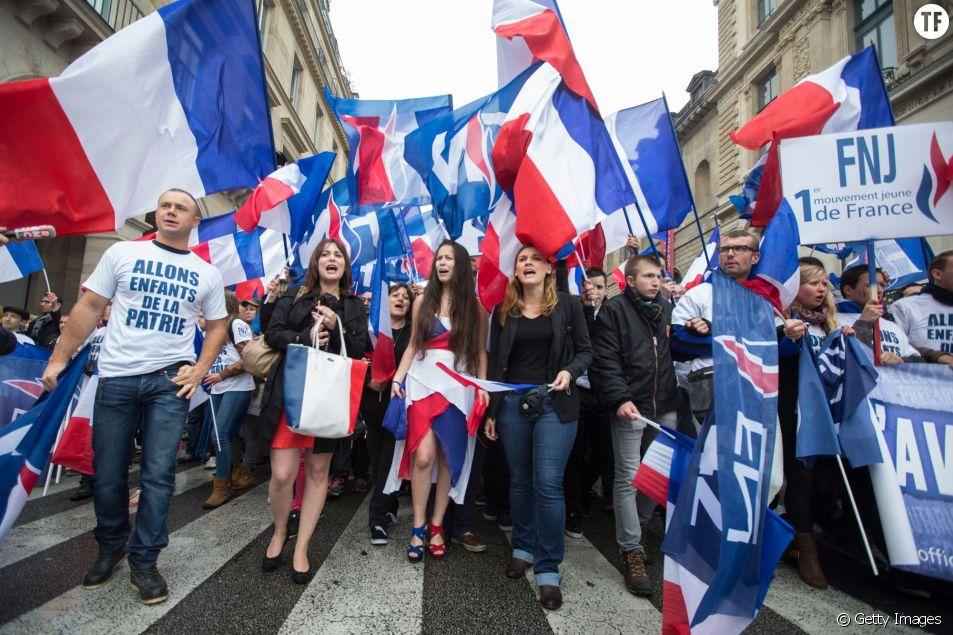 Des jeunes militants FN