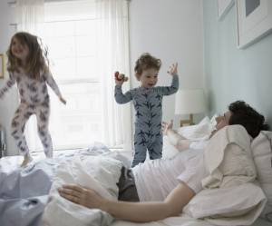 Pourquoi les femmes doivent se battre pour le congé paternité