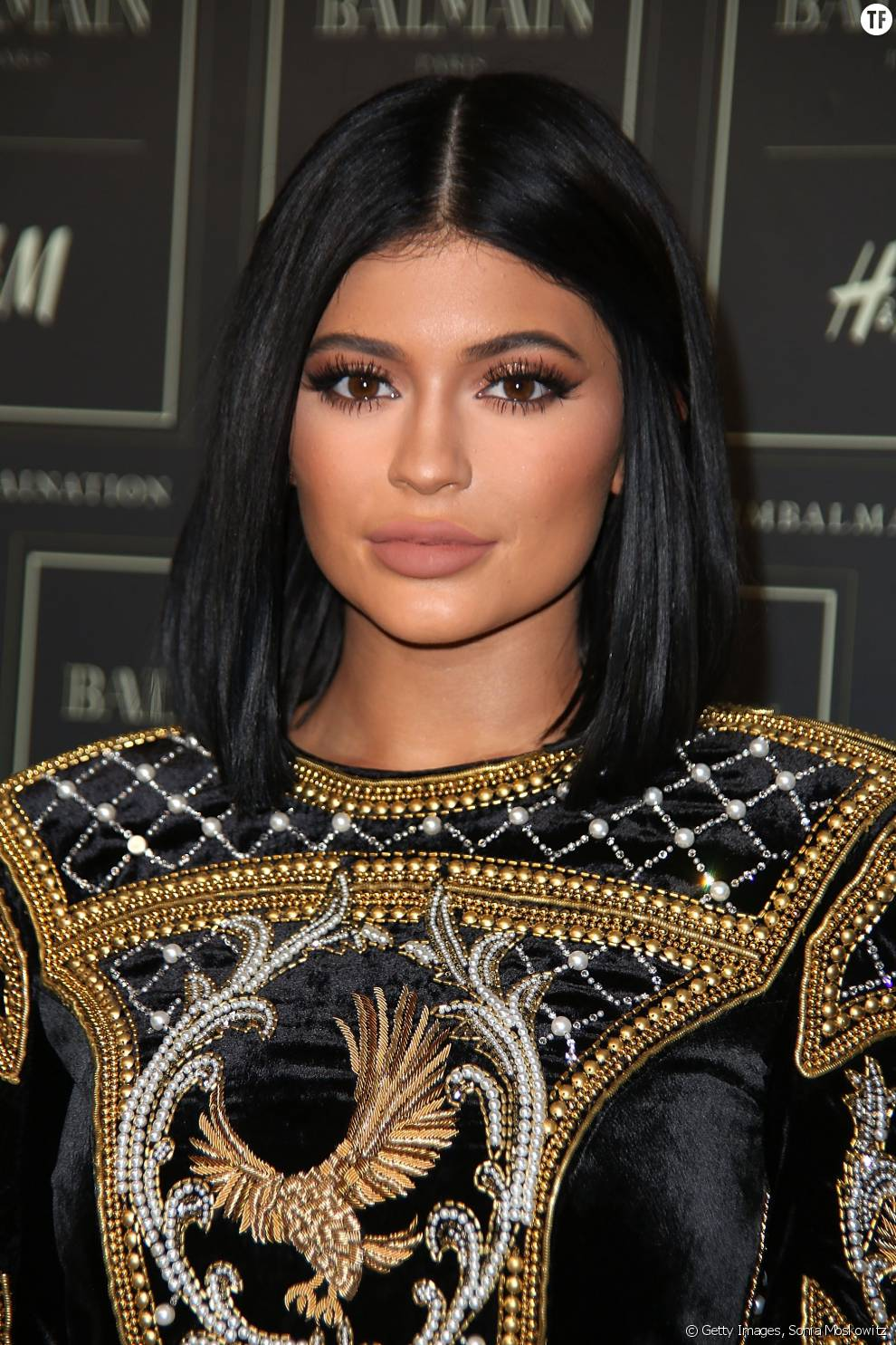 Kylie Jenner Et Son Carré Plongeant Mi Long Canon Terrafemina