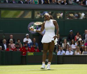 Serena Williams contre Amra Sadikovic lors du tournoi de tennis de Wimbledon à Londres, le 28 juin 2016