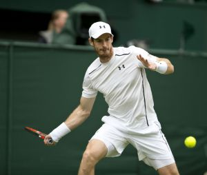 Andy Murray contre Liam Broady lors du tournoi de tennis de Wimbledon à Londres, le 28 juin 2016