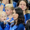Jenifer Giroud, la femme de Olivier Giroud, et sa fille Jade après le match de la finale de l'Euro 2016 Portugal-France au Stade de France à Saint-Denis, France, le 10 juin 2016