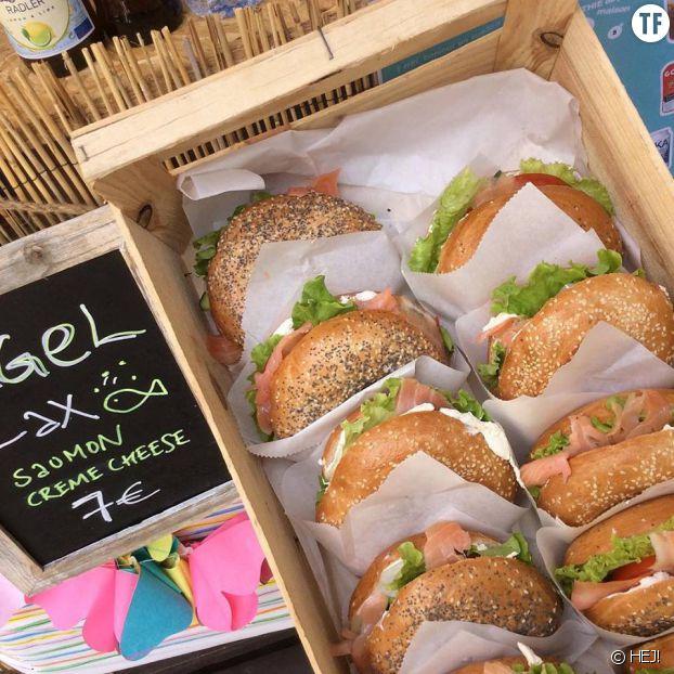 Les bagels saumon du café éphémère HEJ!, dans le jardin de l'Institut suédois