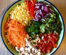 Rainbow salad : la recette saine et colorée qui va enchanter votre été