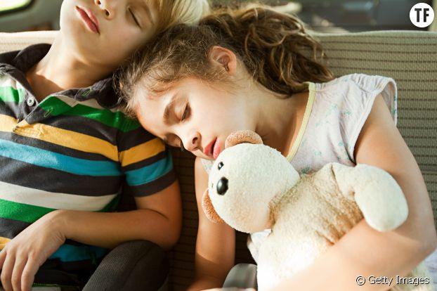Les enfants ont besoin de sommeil même en vacances