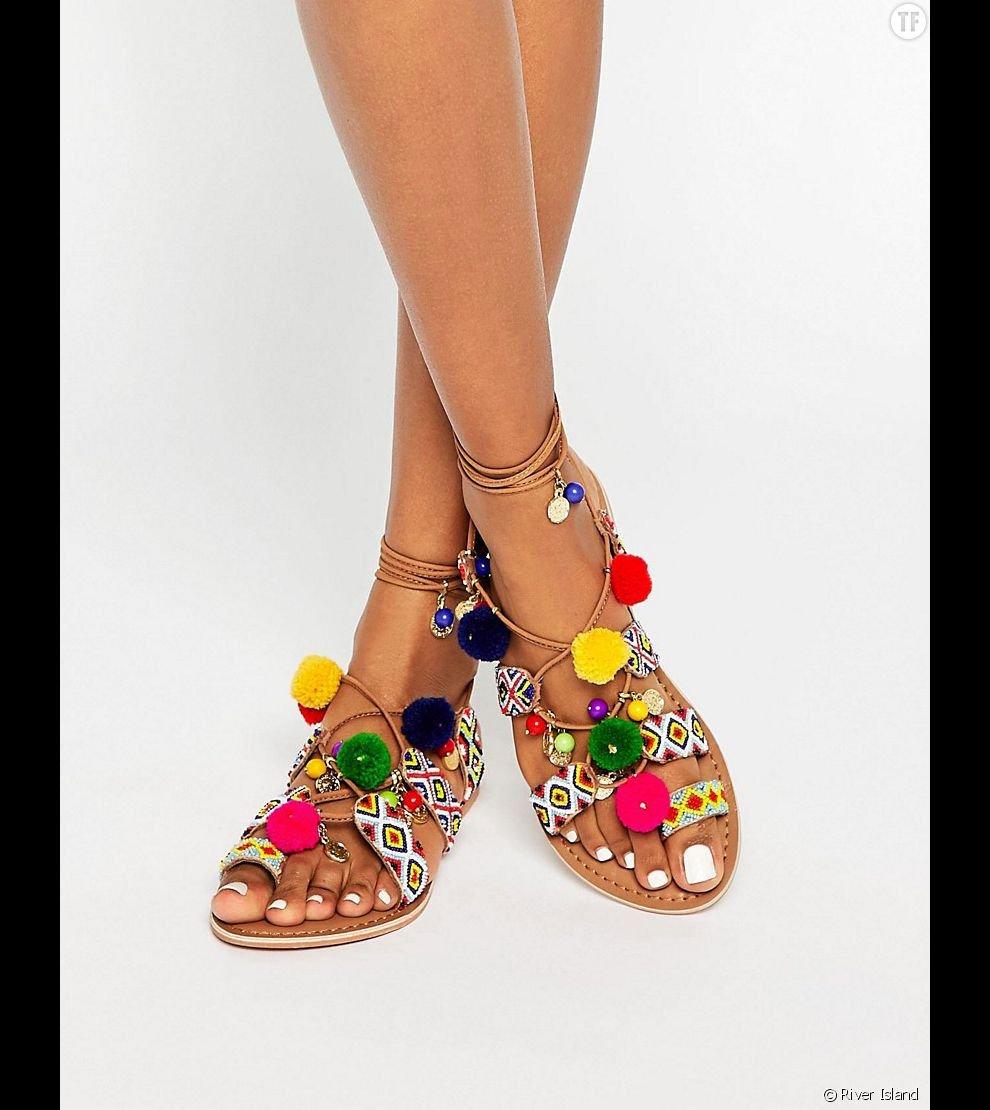 - Sandales a pompons ...