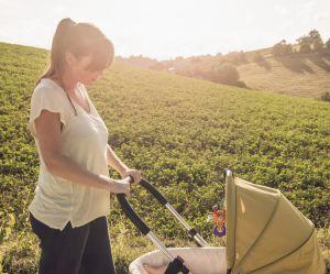 Le geste à éviter avec les bébés quand il fait chaud