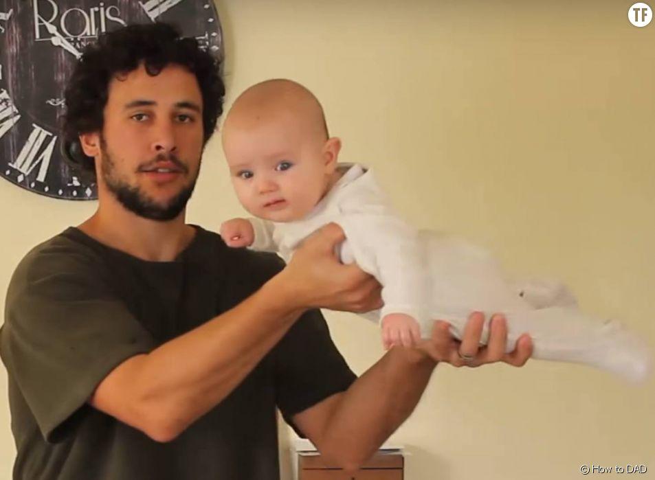 Le papa youtubeur et son adorable bébé