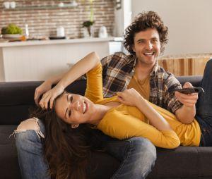 Bingewatcher des séries à deux, la clé d'un couple épanoui ?