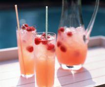 Le punch au champagne, la boisson délicieuse et chic de l'été