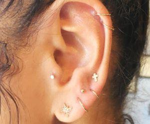 Les piercings constellation, la tendance boucles d'oreilles qu'on adore