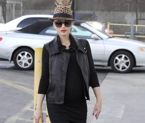 Gwen Stefani met au monde son troisième enfant Apollo à l'âge de 44 ans.
