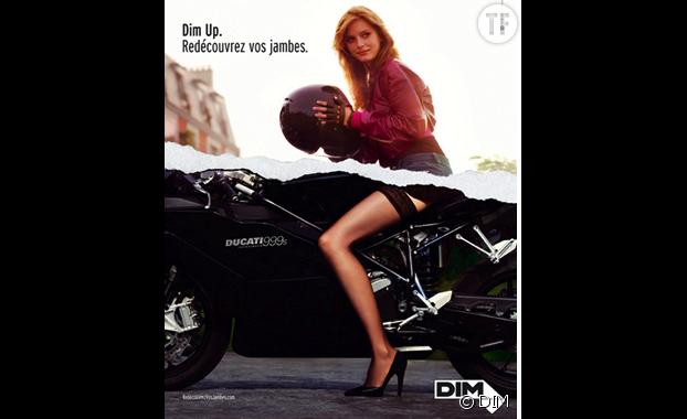 """Une publicité pour collants DIM, peu tournée vers la beauté """"réelle"""""""