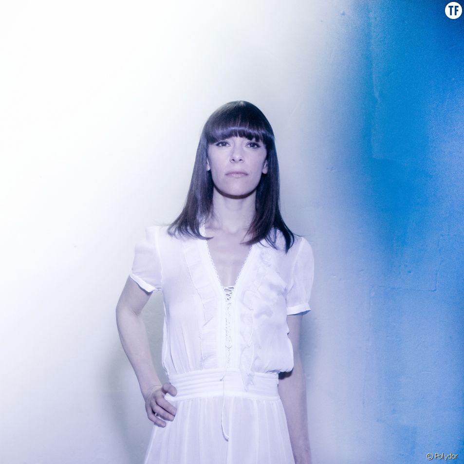 Emily Loizeau parle de sa tournée Mona
