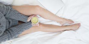 Du Vicks sous ses pieds, le remède miracle pour soigner un rhume ?