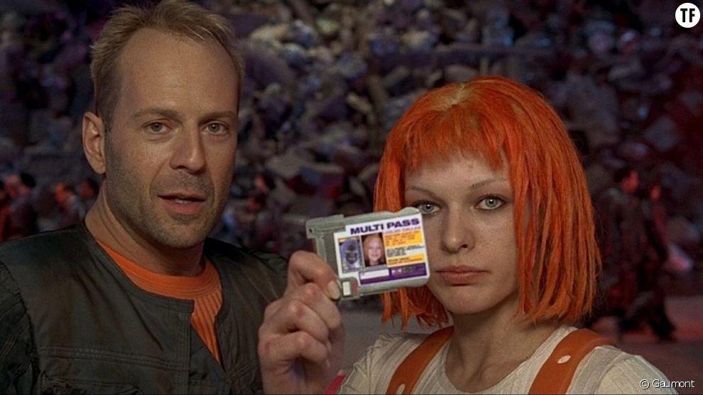 Bruce Willis et Milla Jovovich dans Le Cinquième élément