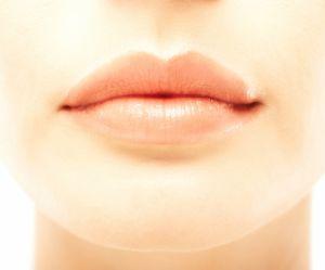 L'astuce beauté étonnante pour avoir des lèvres pulpeuses