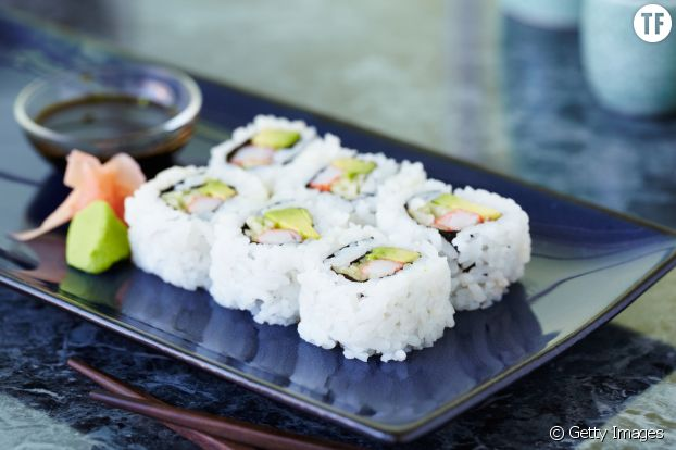 6 california rolls au saumon  : 225 Kcal
