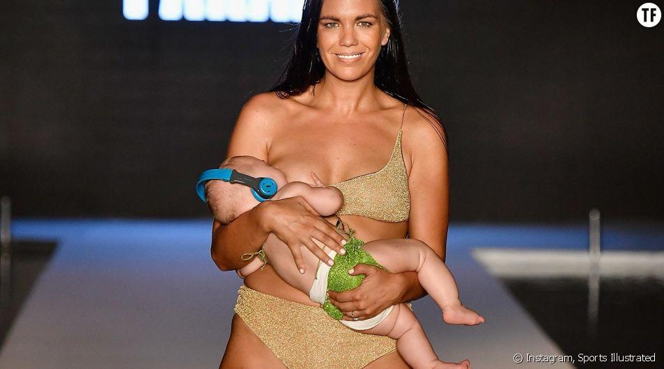 Mara Martin avec sa fille dans les bras