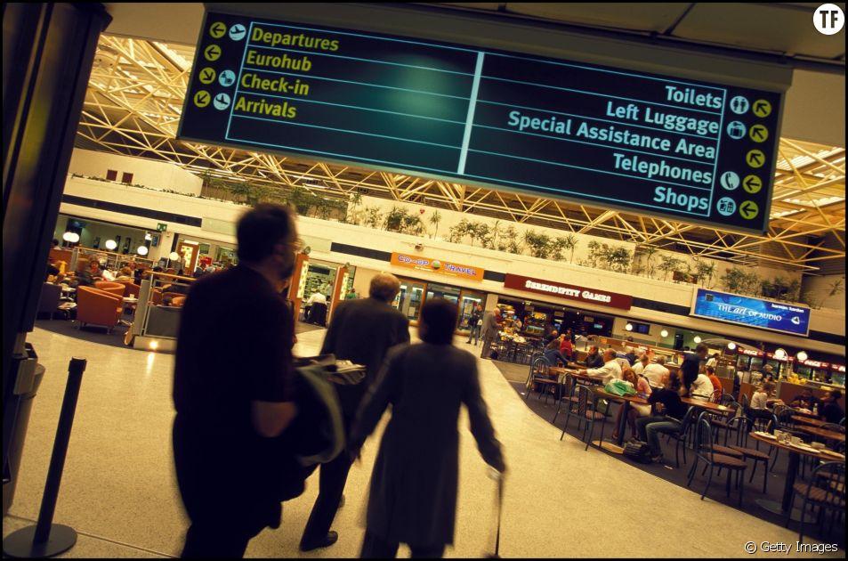 Aéroport de Birgiham, août 2001
