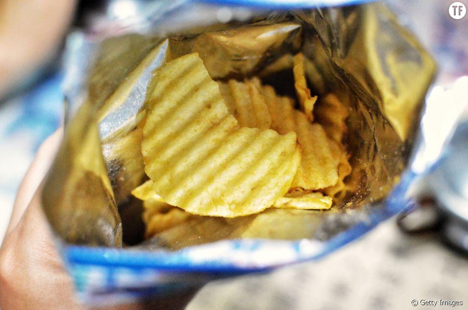 Pourquoi les Anglais jetent leur emballages de chips dans les boîtes aux lettres ?